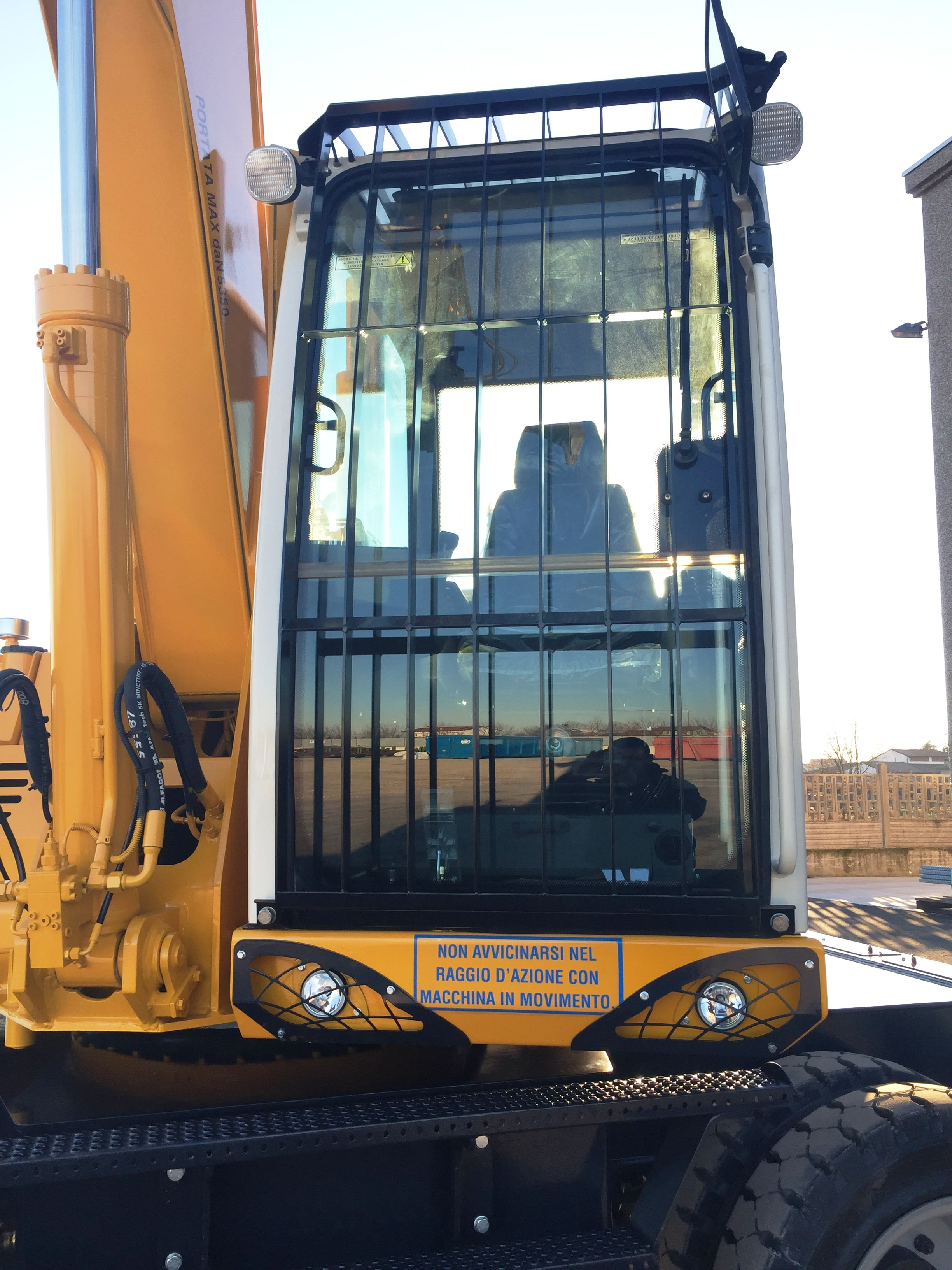 tabarelli T308 material handling loader crane
